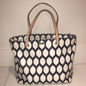 Adorable barely used Kate Spate Tote!